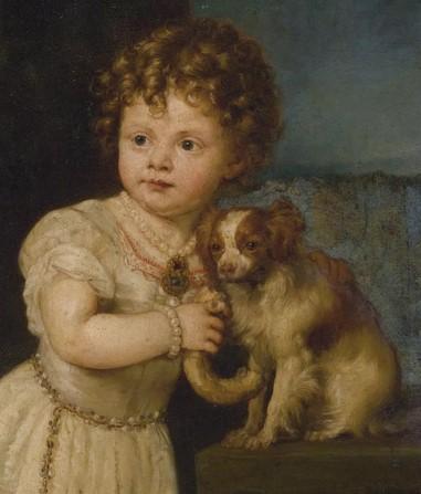 Маленькая девочка на картине обнимает папильона
